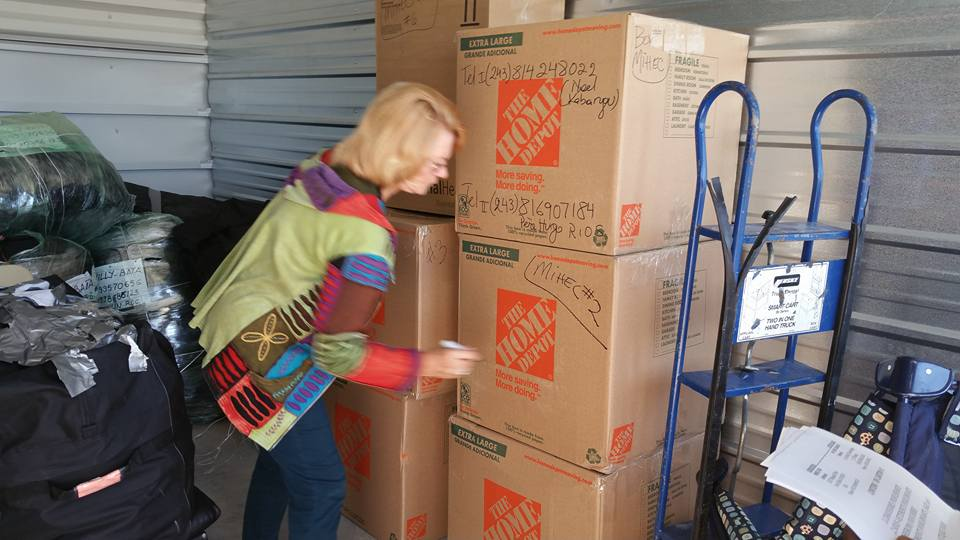 loading-boxes-09-2015-006